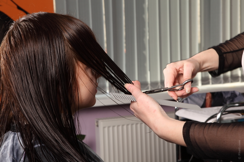 Можно ли беременным стричь волосы,челку, почему нельзя